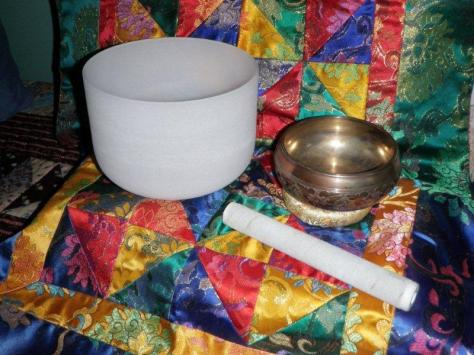 F sharp quartz crystal bowl with C sharp Tibetan bowl mane in Napal